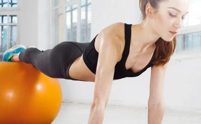 通过拉伸训练会让我们身体变得柔软灵活更有力量同时肌肉围度也会更大