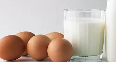 早餐方面都是以豆浆油条馒头粥类牛奶鸡蛋等等为主
