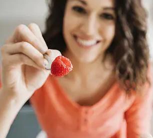 长时间不吃早餐会因为营养获取过少导致血糖降低