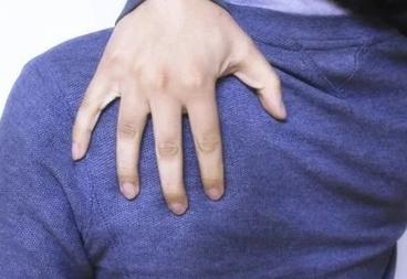 导致后背脂肪过多堆积的原因可能就是腰背部位的经络不够通畅