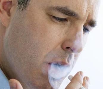常见的诱发因素有烟雾病烟雾病也是脑梗死的高位诱发因素之一