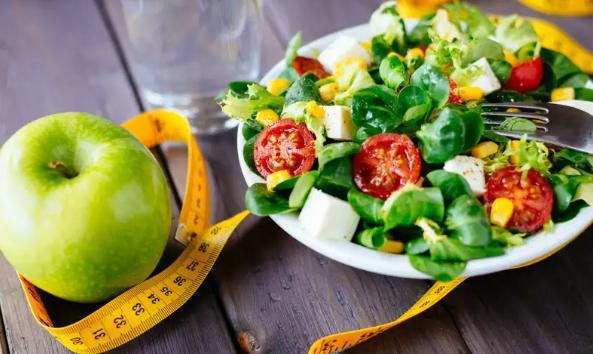 低脂与低碳水化合物:什么对减肥更好?