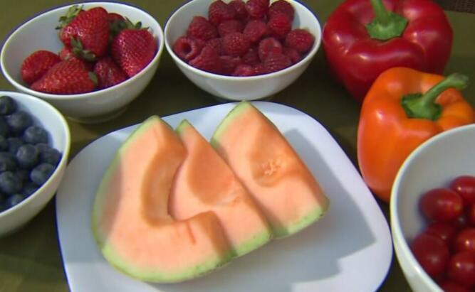 挑剔的食客?通过孩子的饮食获得更多健康食物的方法
