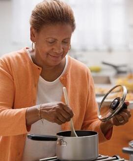 健康的饮食有助于减轻压力和疲劳