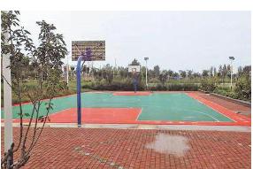 盼了好久的村级篮球场即将建成