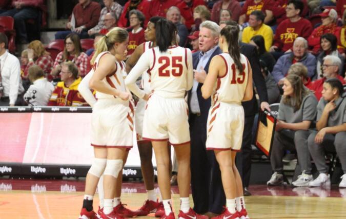 女子篮球运动进入健康赛季