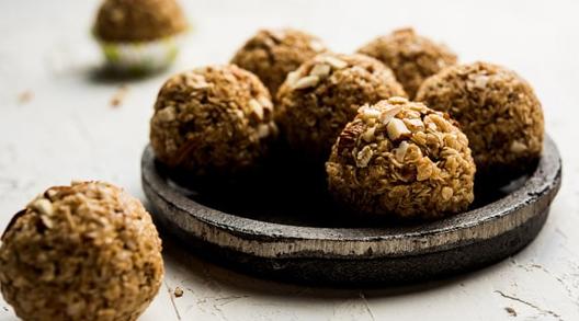 核桃Ladoo食谱:这款健康美味的3成分Ladoo助您节日佳肴