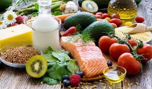保持均衡的膳食习惯和摄入全面的营养是保障人体免疫力的重要因素