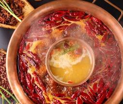 火锅如果吃的不合理反倒会引起营养摄入失去平衡诱发疾病