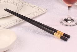 要保证饮食卫生筷子的使用必须得讲卫生