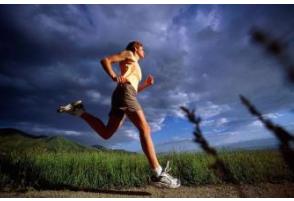 每个季节夜跑所需要注意的事项都不相同