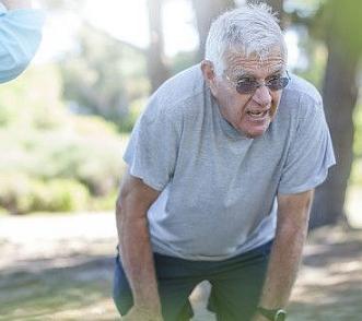 对于老年人来说摔倒是大事