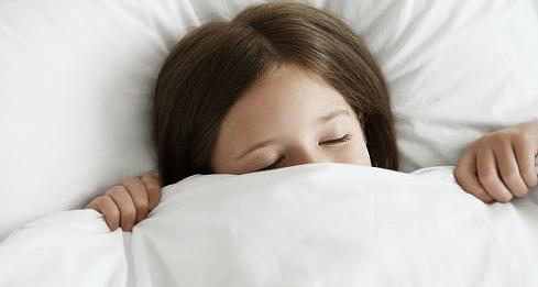 很多人觉得裸睡对健康更好