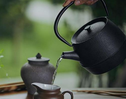 喝茶健康益处多但想泡一杯好茶需要讲究一些技巧