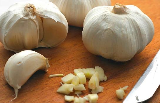 恒达登录注册大蒜是每个初学者和经验丰富的家庭厨师厨房中的主食