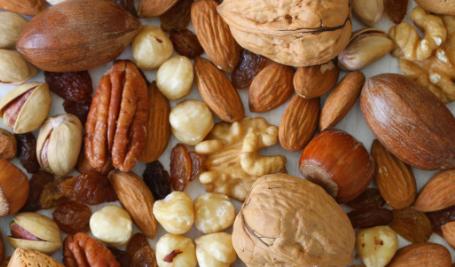 坚果富含与心血管健康息息相关的营养素