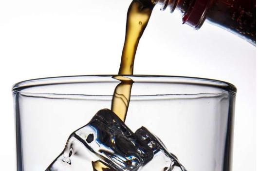 研究发现喝糖加糖苏打水的乳腺癌患者死亡风险增加