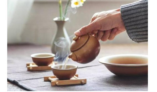 喝茶不仅可以养生对我们的身体健康也有很多的好处