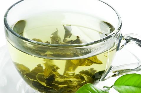 绿茶是偏性温的茶非常合适在冬天食用