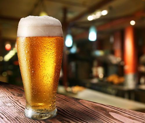 揭开一杯啤酒中有多少气泡的谜团