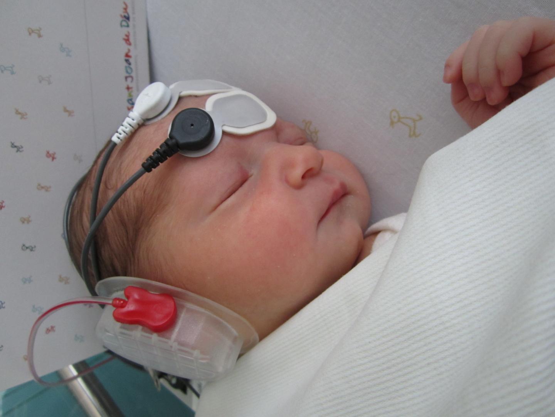 新生儿的大脑可以区分语音吗