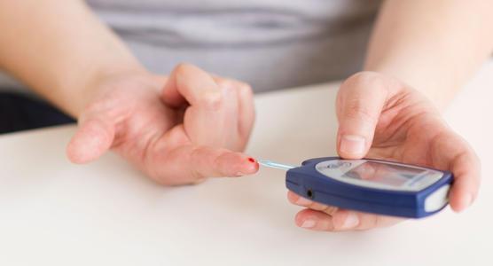 可穿戴式血糖监测仪揭示了西班牙裔成年人中2型糖尿病的进展