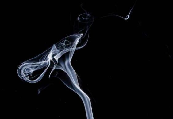 吸烟者比非吸烟者早十年需要血管成形术和支架植入术