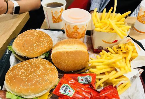 研究显示我们的新陈代谢擅长应对过度的放纵饮食