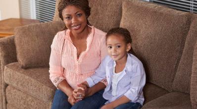 科学家从儿童血液 尿液中的地板和家具中发现毒素