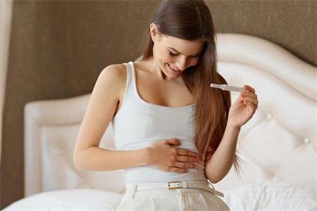 每周仅进行4个小时的剧烈运动就可以增加女性怀孕的机会