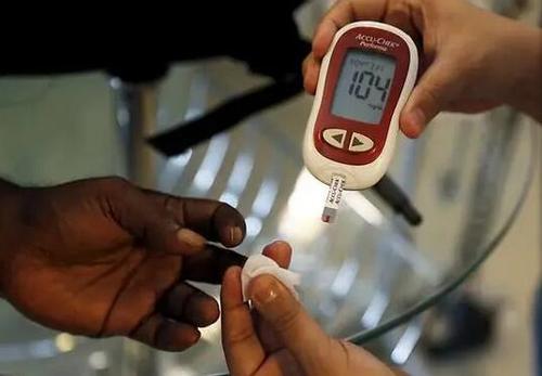 研究发现糖尿病患者发生骨折的风险更高