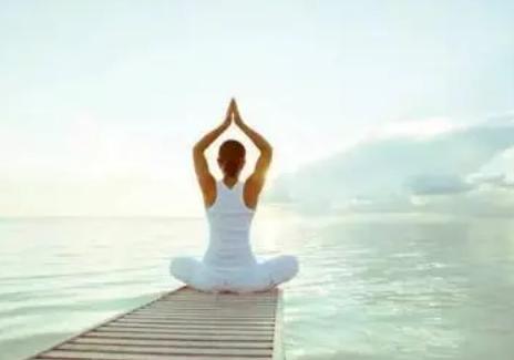 瑜伽有助于减轻与工作相关的压力