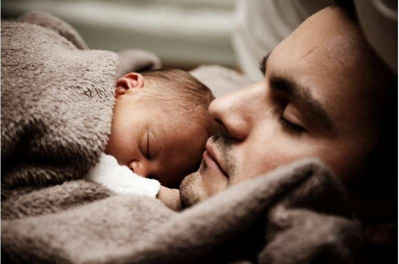 研究发现在家工作可改善婴儿睡眠