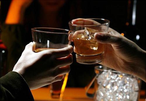 适度饮酒可降低心脏病风险