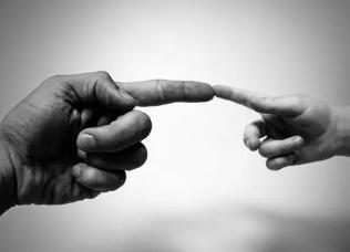 手指假体为脑部健康提供线索