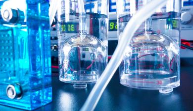 研究人员发现两种常见半导体材料的非常有效的排列方式