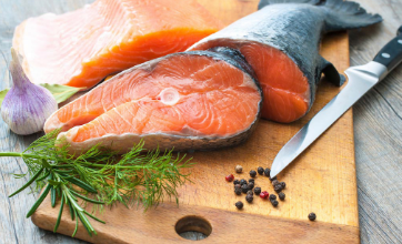 吃鲑鱼可以降低患心血管疾病的风险