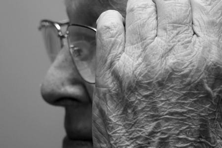 大数据研究发现了阿尔茨海默氏症发展的最早迹象
